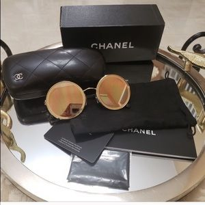 Awesome Authentic Chanel sunglasses. EUC